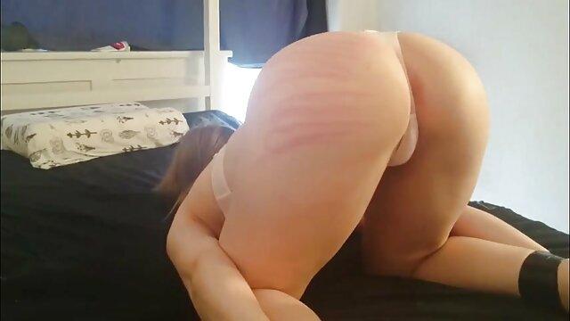 Kristen mature pornó filmek Scott deepthroats mostohatestvér ' s kövér pénisz